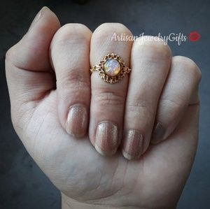 Antique Opal 16K Gold Ring Chain Ring